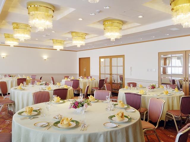 各種 ご会食やクラス会など、少人数でご利用いただける小宴会場
