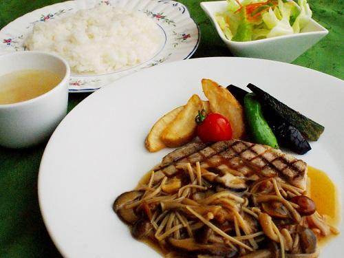 【レストラン】10月1日~秋のランチタイムメニュー♪