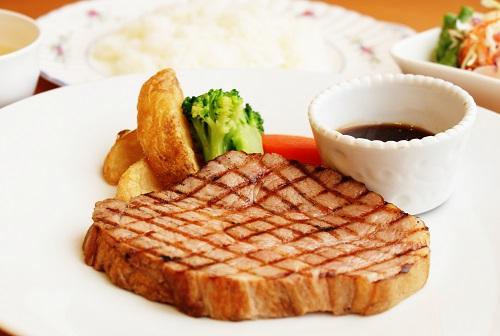 【レストラン】~今月のランチタイムメニュー♪